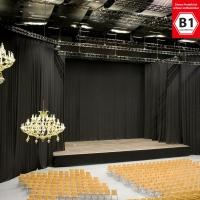 Bühnenmolton konfektioniert -