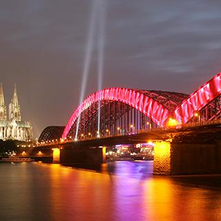 Gaze als Brückenverkleidung